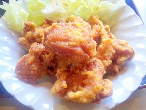 埼玉県所沢市小手指南2丁目にある「中華料理 佳源 KAEN」鶏の唐揚げセットの鶏の唐揚げ