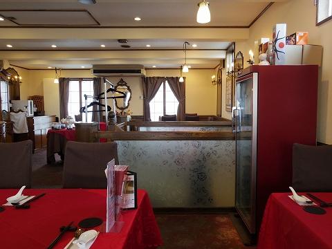 埼玉県越谷市登戸町にある中華料理店「ヌーベルシノワ Ishibashi」店内