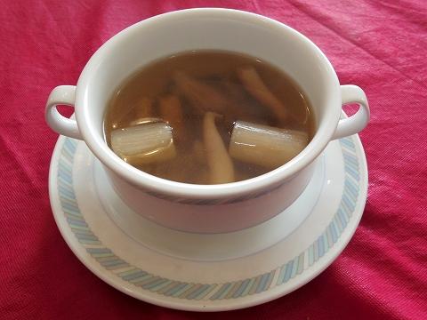 埼玉県越谷市登戸町にある中華料理店「ヌーベルシノワ Ishibashi」水晶 スープ
