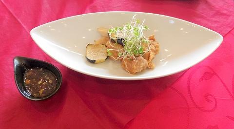 埼玉県越谷市登戸町にある中華料理店「ヌーベルシノワ Ishibashi」水晶 鶏肉の唐揚げ 油淋ソース
