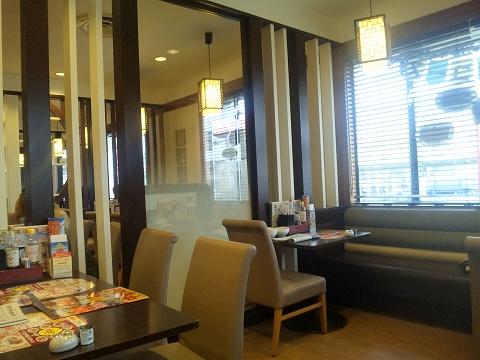 埼玉県所沢市大字山口字児泉にある中華、ファミリーレストランの「バーミヤン 所沢山口店」店内
