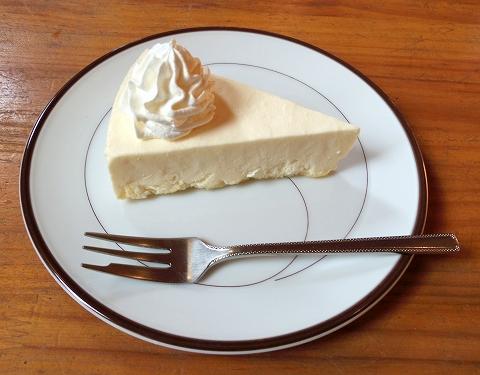 埼玉県春日部市藤塚にあるカフェ「琥珀」チーズケーキ