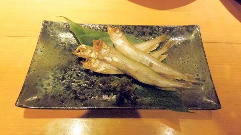 埼玉県所沢市東町にある居酒屋「お酒と魚 三二六 SABUROKU」ししゃも