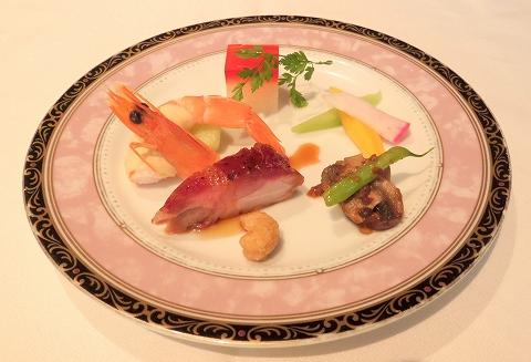 東京都新宿区新宿3丁目にある中華料理店「銀座アスター 新宿賓館」胡蝶花 季節の前菜盛り合わせ