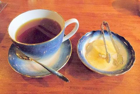 石川県加賀市山代温泉温泉通にあるバー、カフェ「COCKTAIL Bar SWING & Jazz Cafe カクテルバースイング&ジャズカフェ」ホットレモンティー