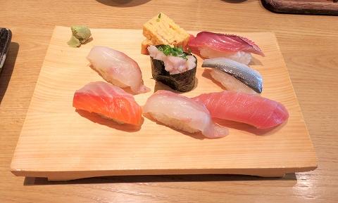 埼玉県さいたま市北区吉野町2丁目にある寿司店「いさば寿司」にぎりセット「いさば寿司」7貫