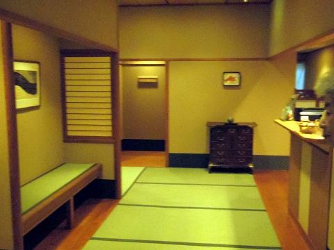 石川県金沢市末町の犀川温泉にある料理温泉旅館「滝亭」食事処入口