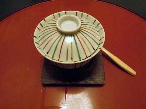 石川県金沢市末町の犀川温泉にある料理温泉旅館「滝亭」能登牡蠣羽二重蒸しトリュフ