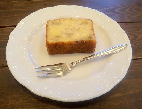 埼玉県所沢市下安松にあるカフェ、珈琲専門店の「自家焙煎珈琲カプリコーン」バナナのバウンドケーキ
