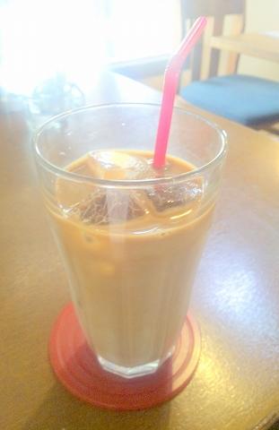 埼玉県所沢市久米にあるカフェ、イタリアンのお店「カフェ&レストラン café&restaurant 周」アイスカフェオーレ