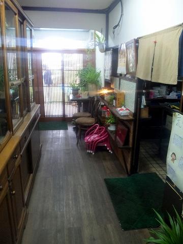 埼玉県所沢市荒幡にある焼肉、ラーメン、釜飯の「バーベキューあらはた」店内