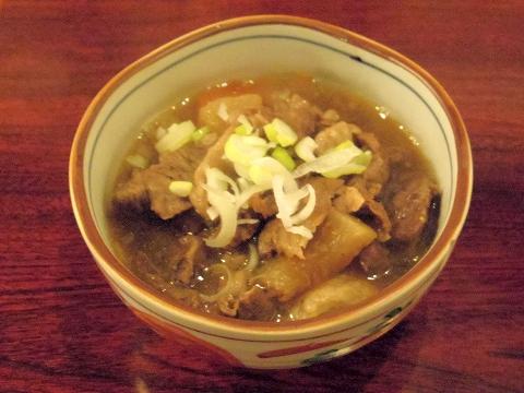 埼玉県所沢市荒幡にある焼肉、ラーメン、釜飯の「バーベキューあらはた」牛すじ煮込み