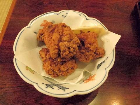 埼玉県所沢市荒幡にある焼肉、ラーメン、釜飯の「バーベキューあらはた」鶏の竜田揚げ