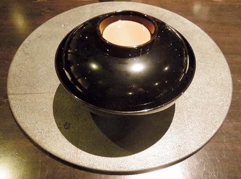 石川県加賀市山代温泉にある温泉旅館「べにや無何有」夕食 椀