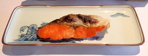 石川県加賀市山代温泉にある温泉旅館「べにや無何有」朝食 紅鮭の焼き物