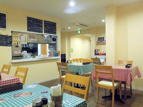 東京都練馬区田柄2丁目にある洋食店「キッチンE&M」店内