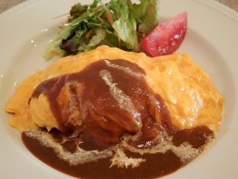 埼玉県越谷市千間台西1丁目にあるパンケーキのお店「fluffy cafe フラッフィー カフェ」こだわり卵のふわとろオムライス