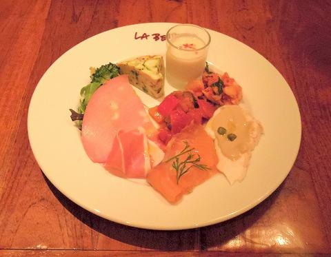 東京都豊島区南池袋1丁目にあるイタリアンのお店「ikebukuro LA BETTOLA da Ochiai イケブクロ・ラ・ベットラ・ダ・オチアイ」本日の前菜盛り合わせ