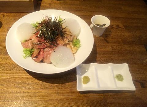 埼玉県越谷市千間台東1丁目にある鉄板ビストロの「la planche  ラ・プランシュ」富士幻豚バラ丼