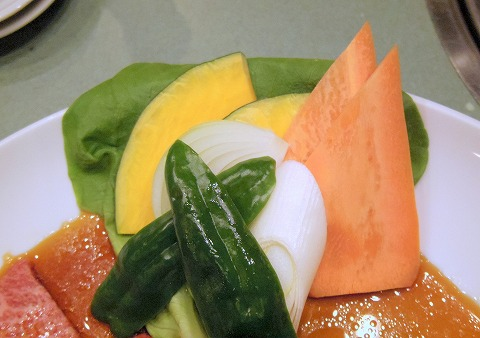 埼玉県越谷市千間台西5丁目にある焼肉店「海花苑」究極盛りの野菜