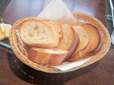 埼玉県吉川市吉川1丁目にあるフレンチの「Brasserie Miel ブラッセリ―・ミエル」パン