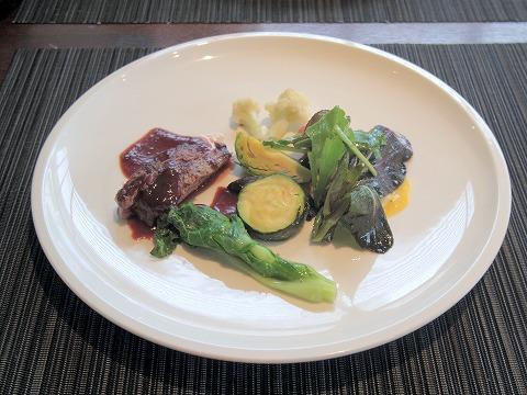 埼玉県吉川市吉川1丁目にあるフレンチの「Brasserie Miel ブラッセリ―・ミエル」本日の鮮魚料理と本日の肉料理の盛り合わせ
