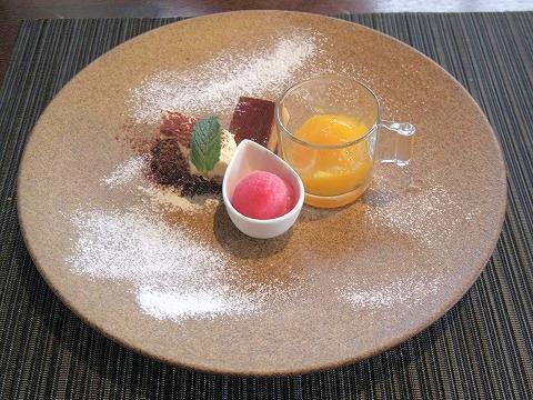 埼玉県吉川市吉川1丁目にあるフレンチの「Brasserie Miel ブラッセリ―・ミエル」手作りデザート盛り合わせ
