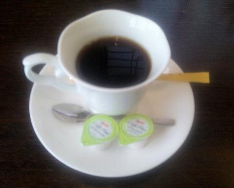 埼玉県所沢市緑町3丁目にある割烹、小料理のお店「旬菜料理 花もも」ホットコーヒー
