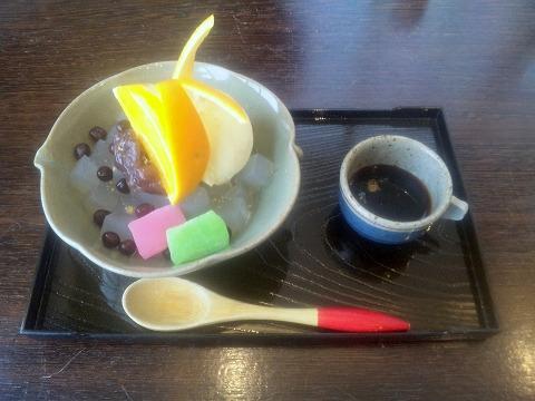 埼玉県所沢市緑町3丁目にある割烹、小料理のお店「旬菜料理 花もも」クリームあんみつ(バニラ)
