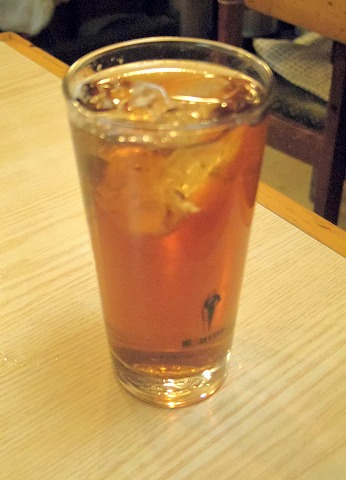 埼玉県越谷市千間台西2丁目にある居酒屋「酒処 ニューどんどん亭」ウーロン茶