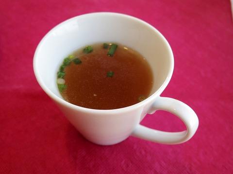 埼玉県吉川市栄町にある洋食店「レストラン コヤノ Restaurant Koyano」牛肉カツレツセットのスープ