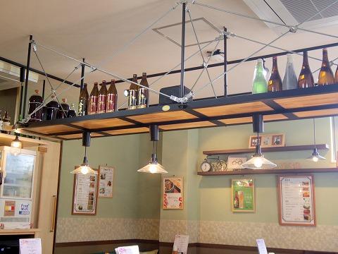 埼玉県入間市下藤沢にあるカフェ、ダイニングの「MAY 30.」店内