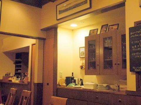 東京都練馬区富士見台3丁目にあるイタリア料理の「ボラーレ Volare」店内