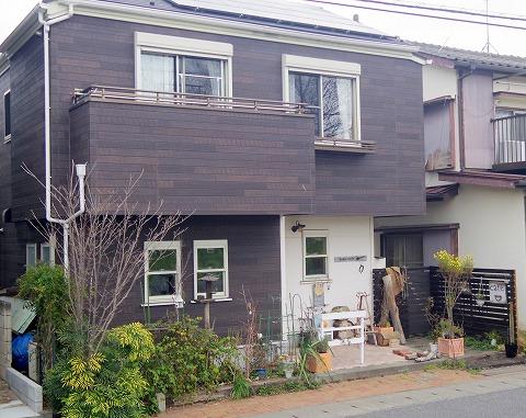 埼玉県越谷市大泊にあるカフェ「hana cafe」外観