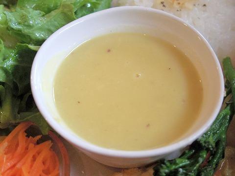 埼玉県越谷市大泊にあるカフェ「hana cafe」ランチプレートのスープ