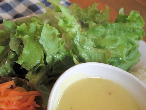 埼玉県越谷市大泊にあるカフェ「hana cafe」ランチプレートのサラダ