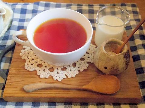 埼玉県越谷市大泊にあるカフェ「hana cafe」ホットティー