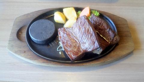 埼玉県所沢市星の宮1丁目にあるステーキ、ハンバーグのお店「ステーキのどん 星の宮店」Wサガリステーキ