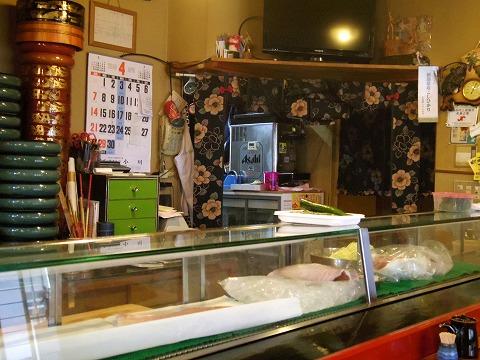 埼玉県越谷市袋山にある寿司店「寿司作」店内