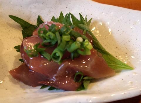 埼玉県越谷市袋山にある寿司店「寿司作」上ランチの一品(ヅケマグロ)