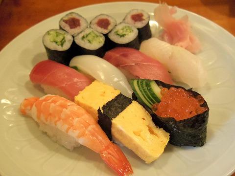 埼玉県越谷市袋山にある寿司店「寿司作」上ランチの寿司