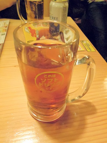 東京都新宿区歌舞伎町1丁目にある焼鳥店、居酒屋「鳥貴族 新宿職安通り店」ウーロン茶
