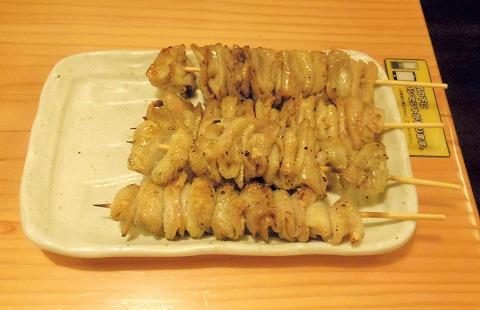 東京都新宿区歌舞伎町1丁目にある焼鳥店、居酒屋「鳥貴族 新宿職安通り店」かわ塩