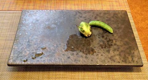 埼玉県さいたま市岩槻区本町3丁目にある和牛、野菜、炭火焼のお店「おくゆき」芽キャベツとスナップ(スナック)エンドウ