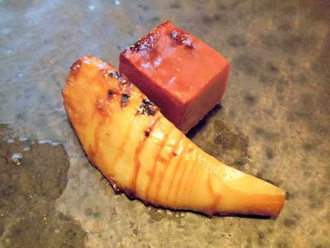 埼玉県さいたま市岩槻区本町3丁目にある和牛、野菜、炭火焼のお店「おくゆき」筍と赤こんにゃく