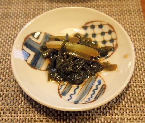 埼玉県さいたま市岩槻区本町3丁目にある和牛、野菜、炭火焼のお店「おくゆき」わさびの葉の醤油漬け