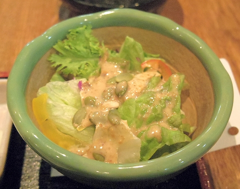 神奈川県川崎市川崎区東田町4丁目にある懐石、寿司のお店「旬菜しながわ」春菜御膳のサラダ
