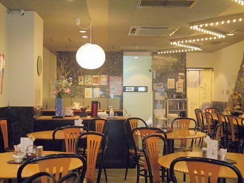 東京都文京区関口1丁目にある喫茶店「玉露園喫茶室」店内