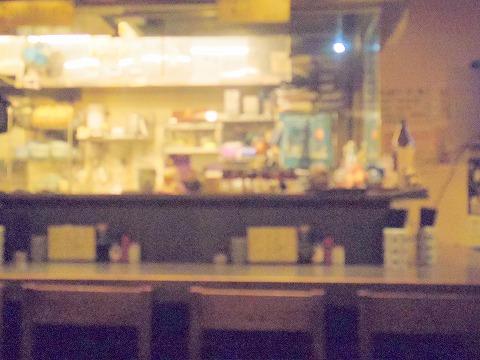 東京都文京区関口1丁目にある焼鳥、居酒屋「串焼き 竹屋」店内