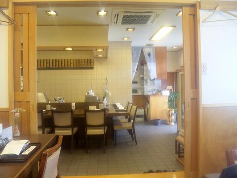 埼玉県所沢市北所沢町にある天ぷら店「てんぷら天健」店内